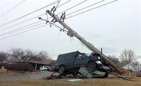 Blue Springs power outage follows wreck - News - The