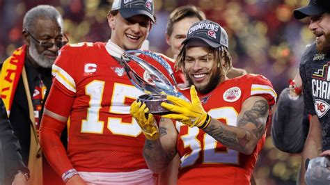 After cashing in on QB gambles, Niners, Chiefs in Super
